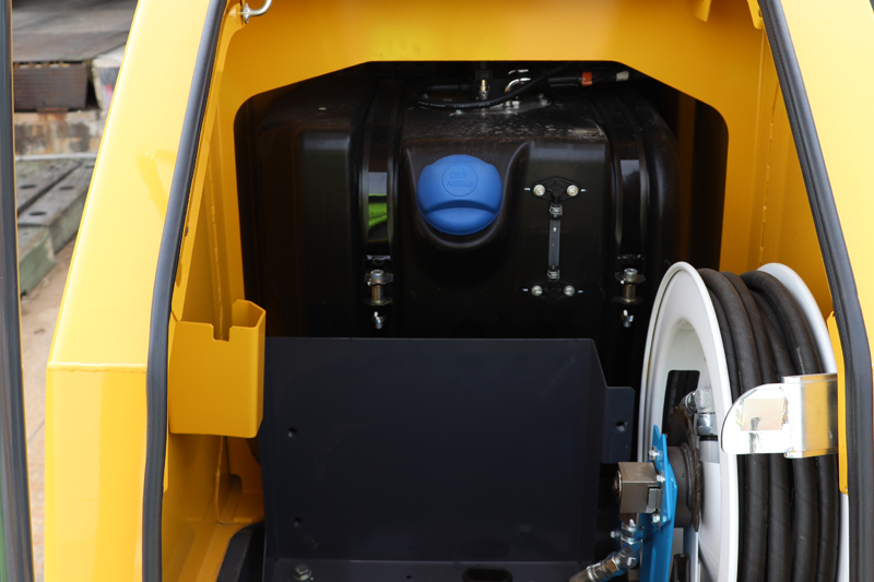Image of Conventional Excavator SK850LC-10 DEF / AdBlue Tank of North America model