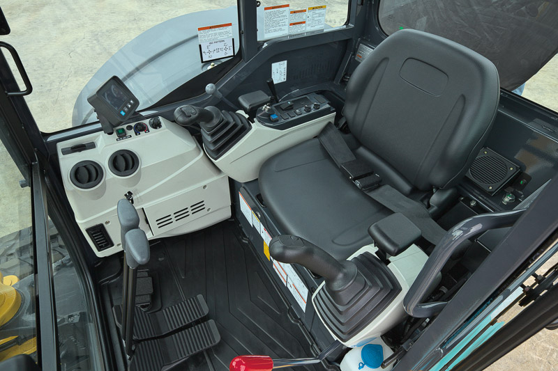 Image of Mini Excavator SK28SR-6 Cab for Latin America model