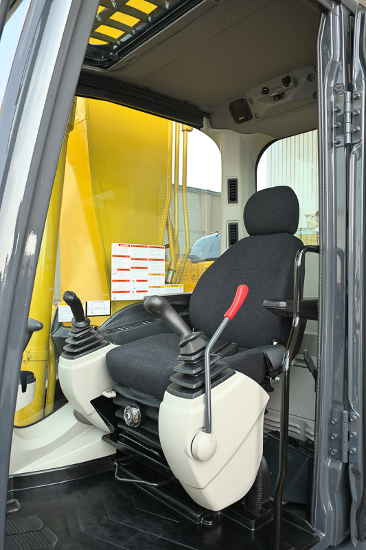 Image of Conventional Excavator SK500LC-10 Comfortable Seat of North America model